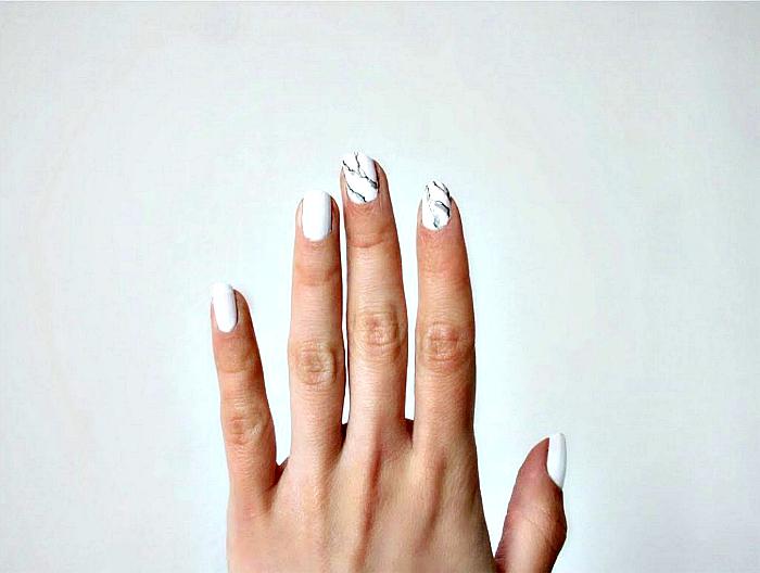 Мраморный дизайн ногтей.