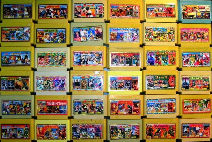 Коллекция картриджей с любимыми играми.