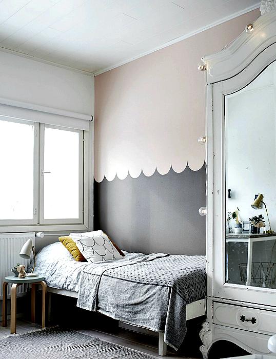 Оригинальная покраска стен в два цвета.