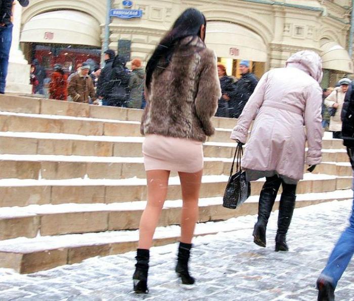 Капроновые колготки в мороз.