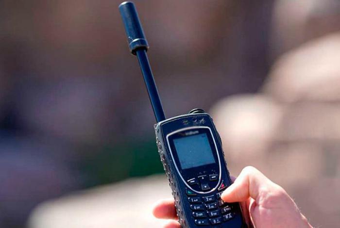 Пользоваться спутниковым телефоном в Индии, Китае и Бангладеше. | Фото: inform.kz.