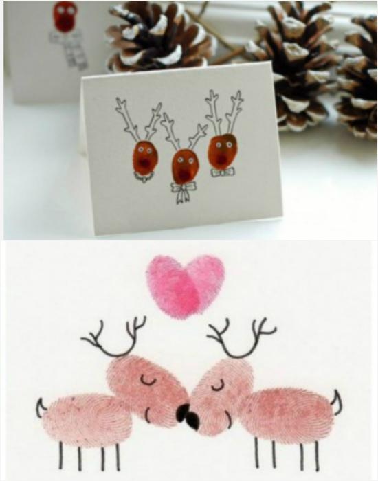 Милые открытки с изображениями оленей. Нарисовать такую открытку можно с помощью отпечатков пальцев, смоченных в краску. Глаза, носики, рожки и ножки следует дорисовать фломастером или черной ручкой.