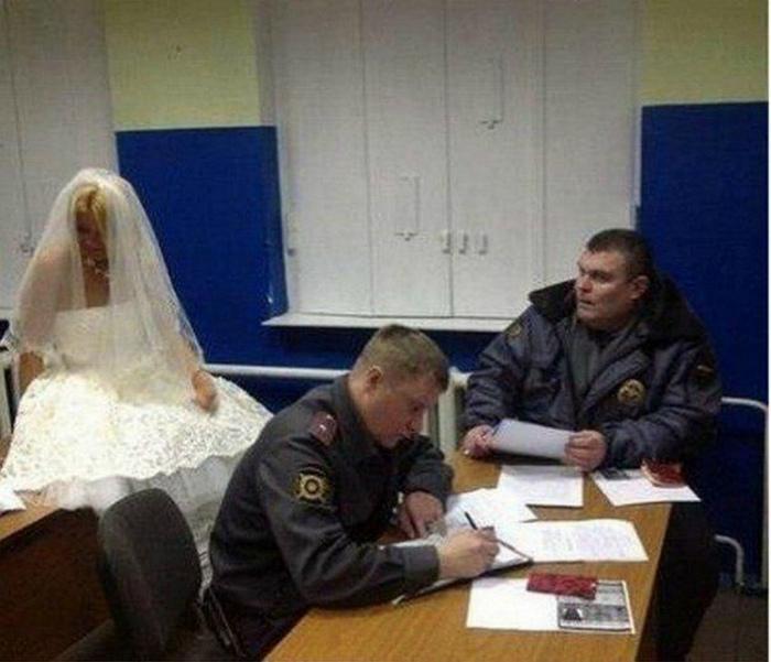 Тот случай, когда невесту украли полицейские.