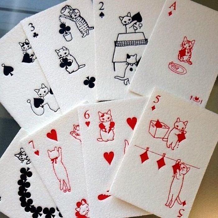 Умилительная колода карт. | Фото: Pressa.tv.
