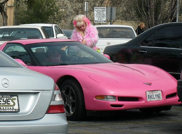 Осторожно, Барби за рулем!