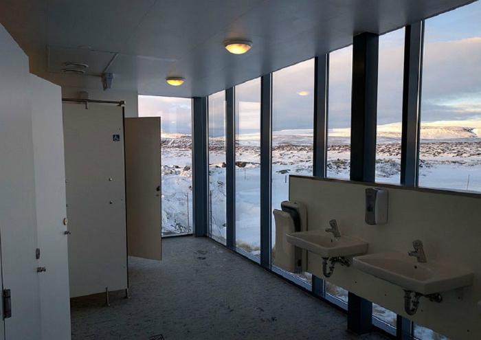 Туалет в Исландии.
