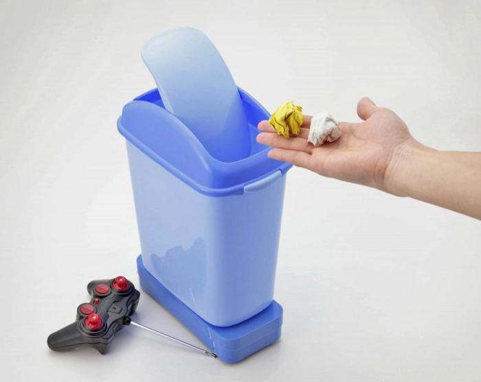 Мусорное ведро, которое самостоятельно приезжает за мусором.