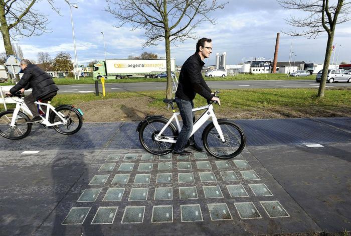 Велодорожка в Нидерландах, которая собирает солнечную энергию и производит электроэнергию.