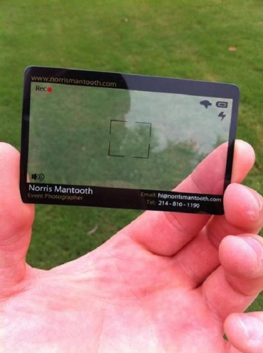 Визитная карточка в виде экрана фотокамеры.