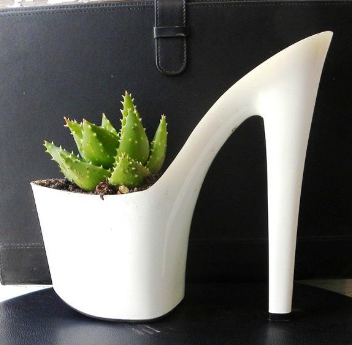 Горшок в виде туфельки. | Фото: Архимир.