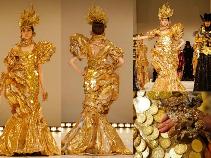 Платье полностью состоит из 15 тысяч австралийских золотых монет. Его вес – 10 кг.