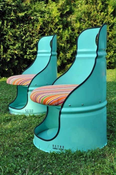 Потрясающие стулья.
