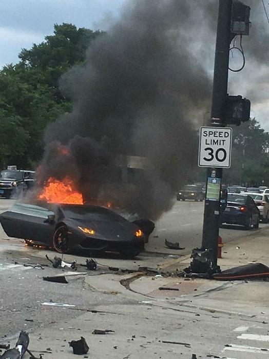 А вы видели когда-то, как горит суперкар?| Фото: Первый Познавательный.