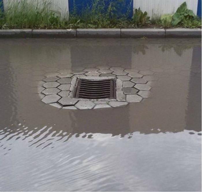 «Гениальная» ливневая канализация.