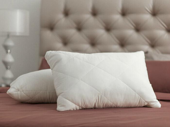 Старые подушки.