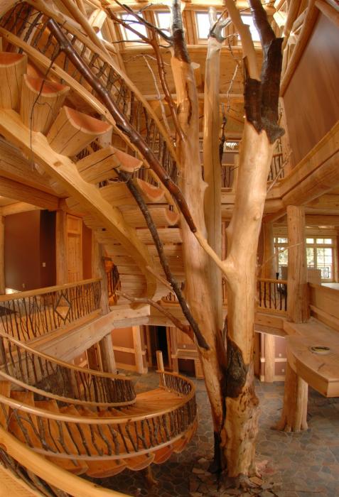 Потрясающий деревянный загородный дом.