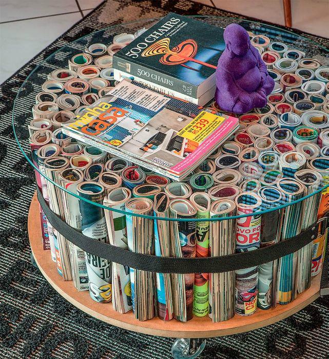 Журнальный стол из журналов.