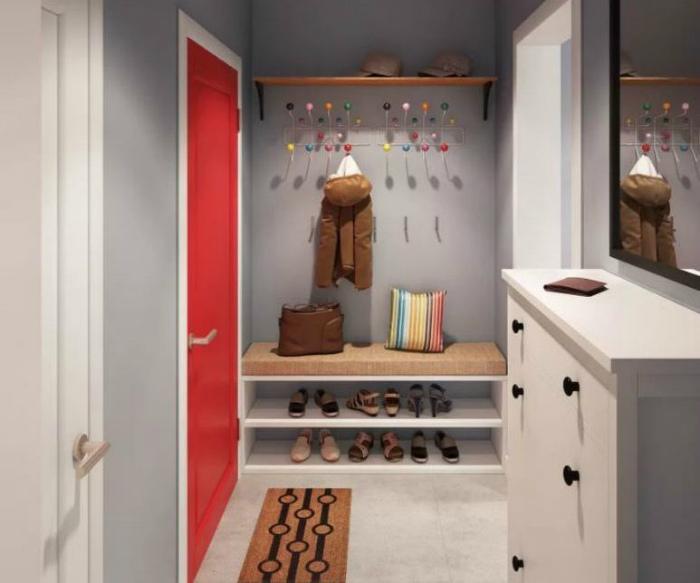 Простые решения в маленькой прихожей. | Фото: aviarydecor.com.
