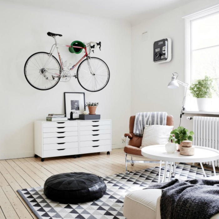 Декор минималистичной гостиной.