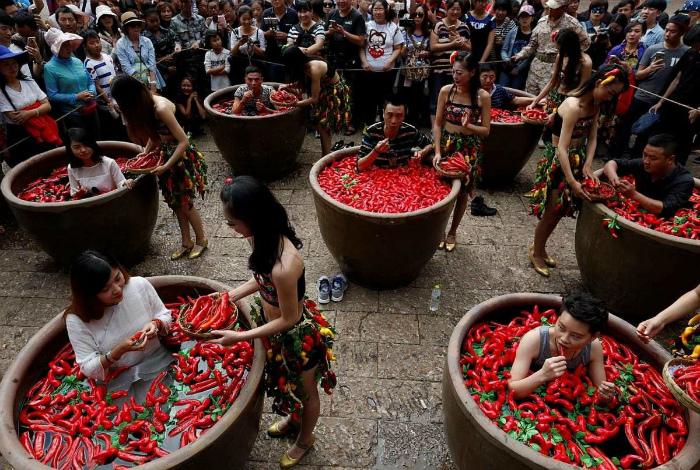 Странный фестиваль в Пекине.