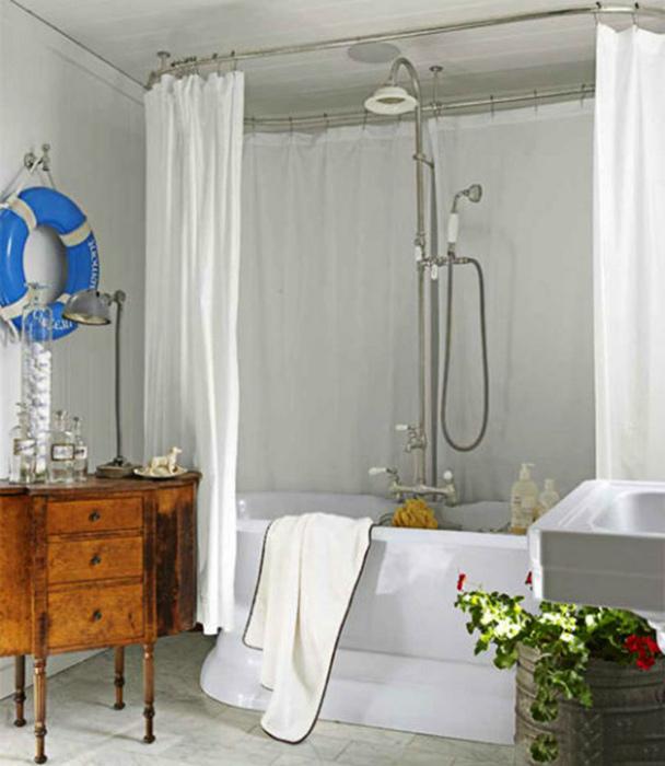 Винтажные детали в интерьере ванной комнаты.
