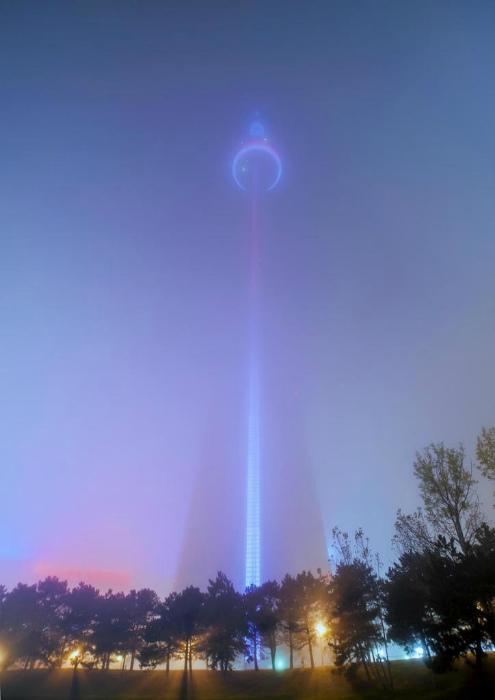 Луч света в тумане.