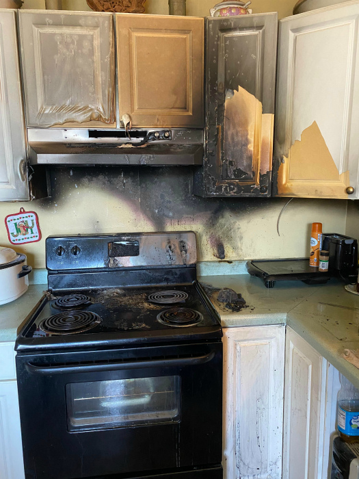 Салют на собственной кухне. | Фото: Reddit.