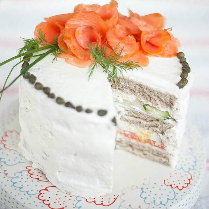 Торт с семгой и сыром Филадельфия.