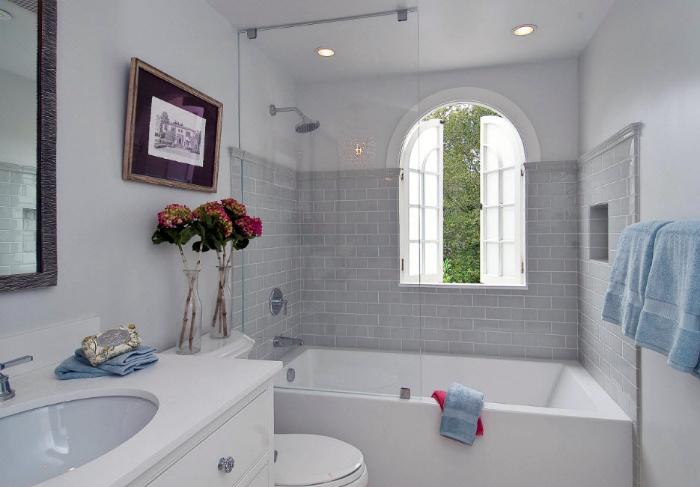Ванна кімната в класичному стилі.