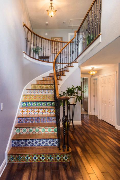Лестница в средиземноморском стиле.