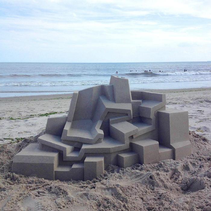 Домик из песка.