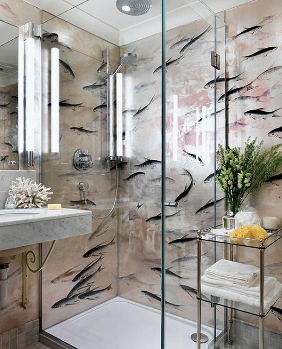 Обои с рыбками в интерьере ванной.