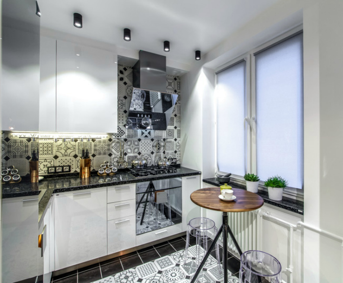 Черно-белый фартук на кухне. | Фото: Pinterest.