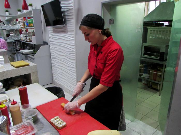 Японки не готовят суши. | Фото: Pro Город Самара.