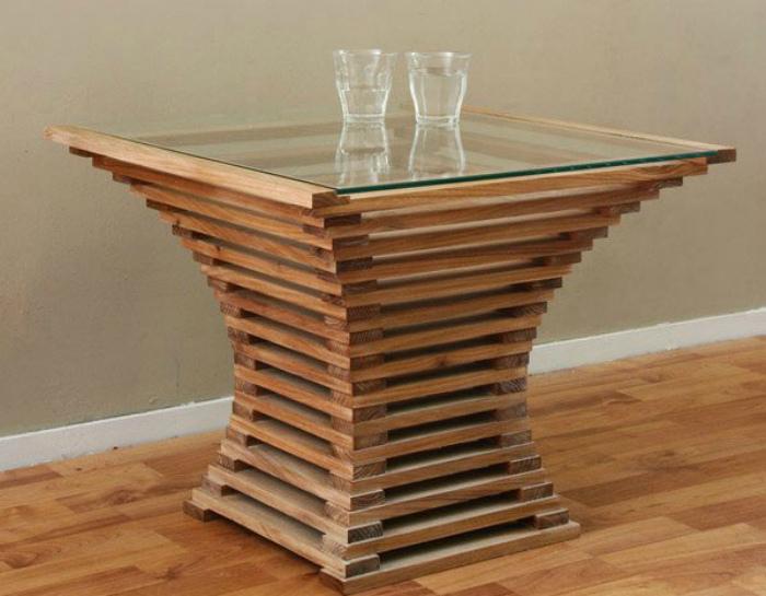 Оригинальный кофейный столик.