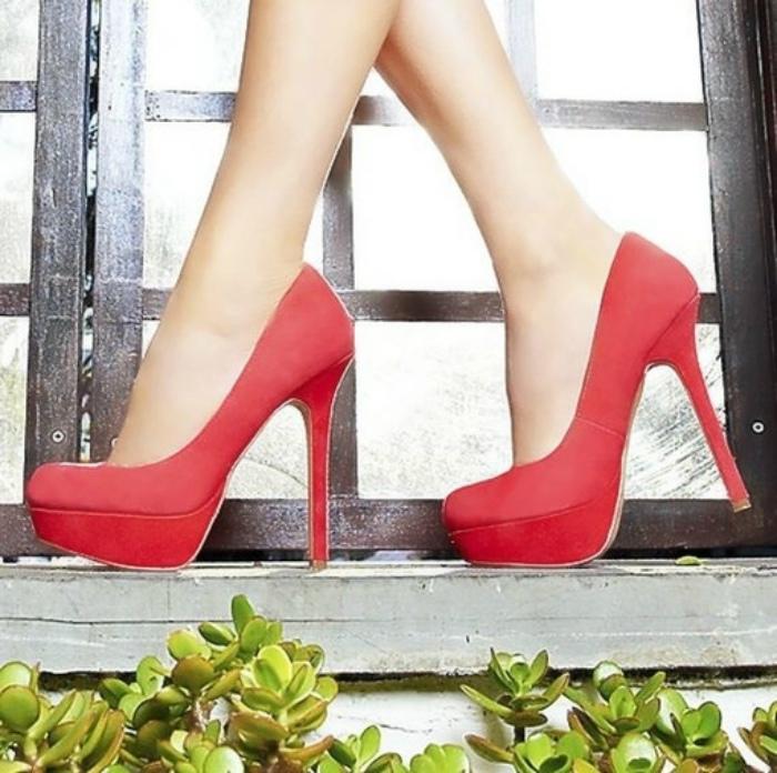 Нельзя носить каблуки выше 5 сантиметров.