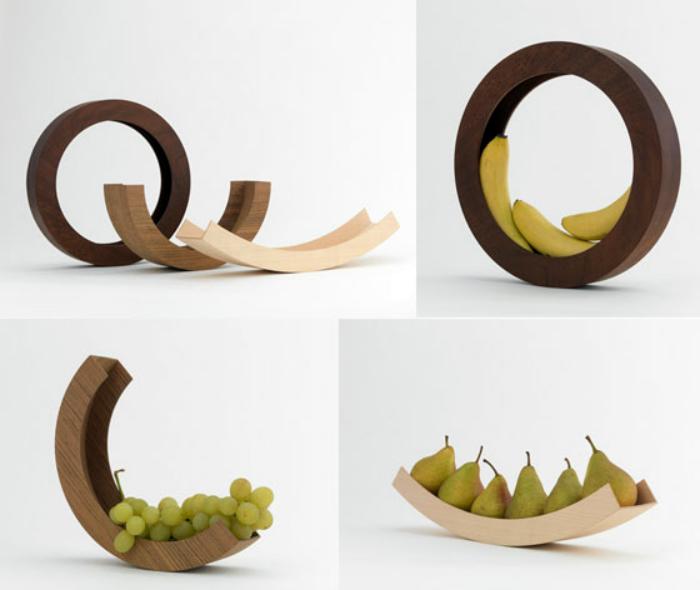 Деревянные подставки для фруктов.