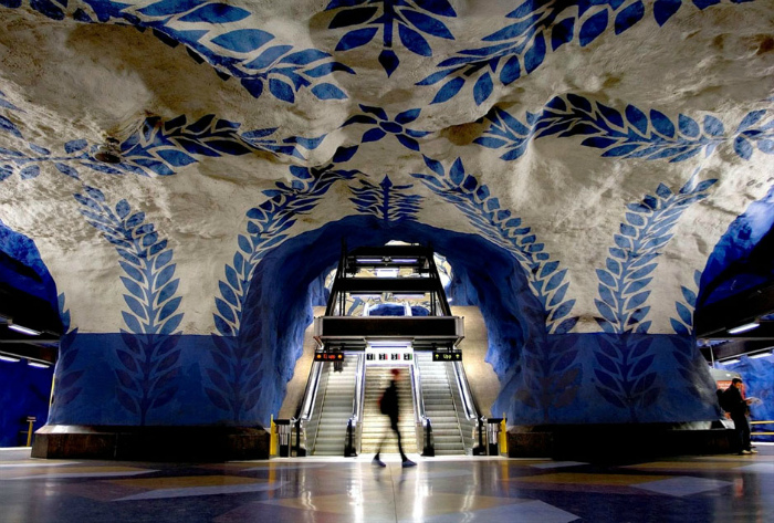 Станции метро, как шедевры искусства. | Фото: dagenshandel.se.