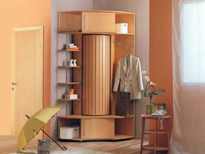 Эргономичный угловой шкаф. | Фото: decorationinfo.ru.