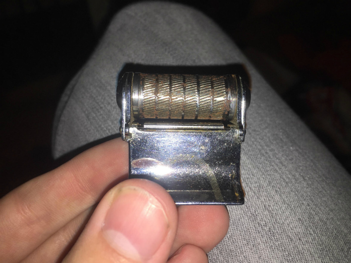 Старинное устройство для бритья. | Фото: Reddit.