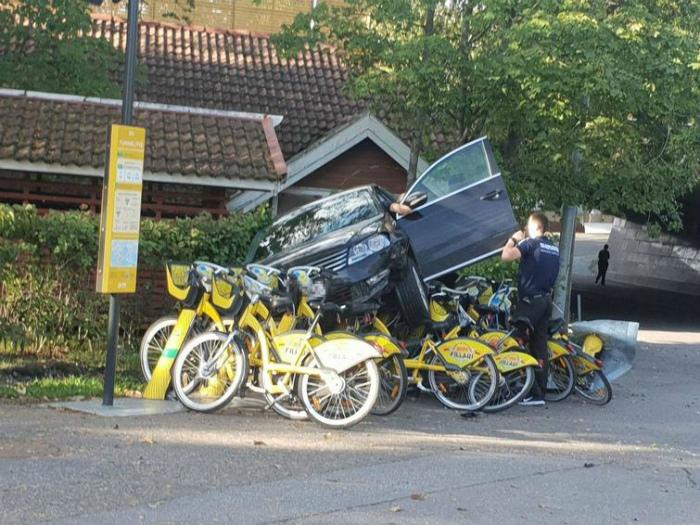 Месть велосипедистам. | Фото: Виралайф.