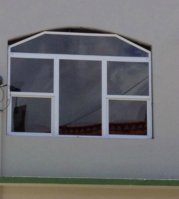 Окно с естественным проветриванием. | Фото: Espacebuzz.