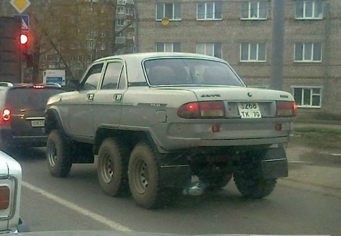 Шести колесная Волга.