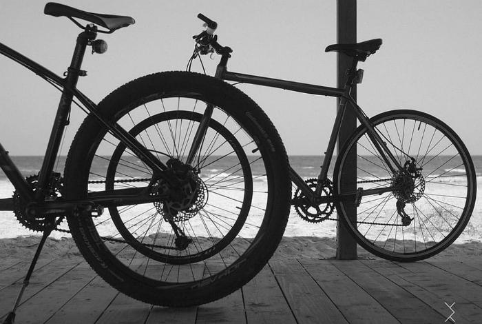 Два велосипеда.