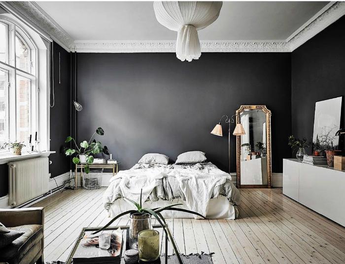 Черно-белая спальня.