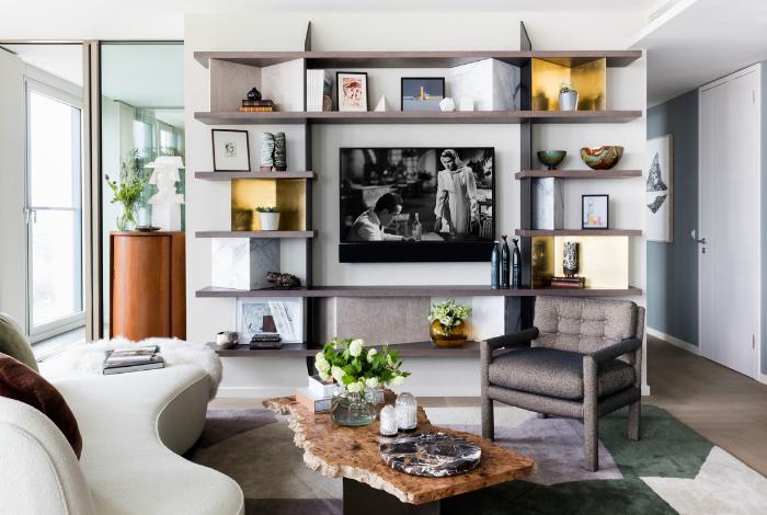 Светлая гостиная в современном стиле.