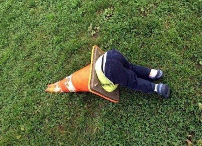 Жертва дорожного конуса.