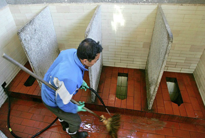 Общественные туалеты в Китае.