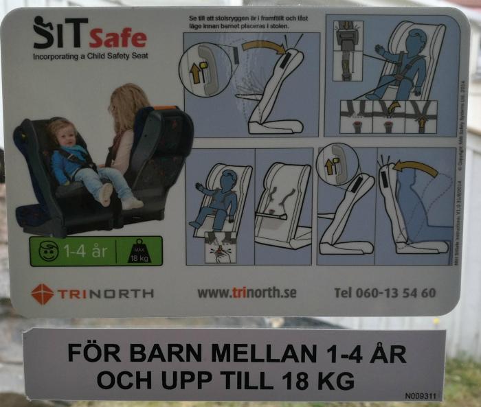 Детское кресло в автобусе. | Фото: Reddit.