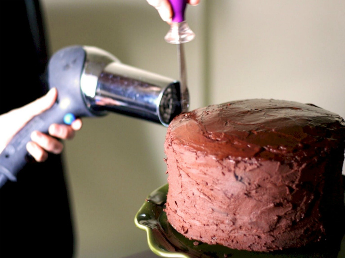 Глазурь для торта. | Фото: Pinterest, Алимеро.